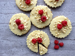 White Chocolate Biscuit Cakes